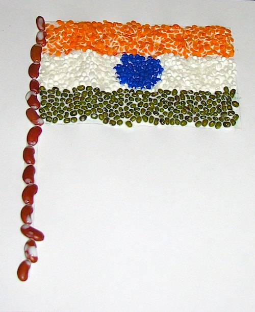 Create a tiranga craft the flag of india for Waste material craft ideas in hindi